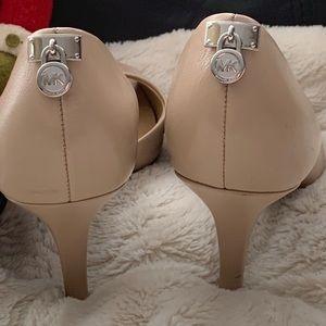 🎁Michael Kors heels like new 🎁